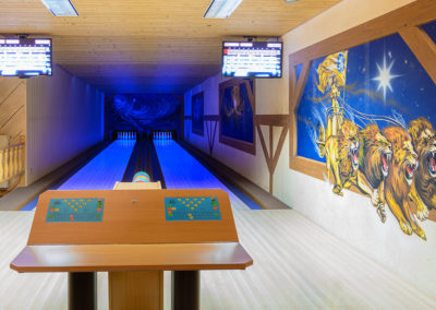 Bowlingbahn mit Blaulicht